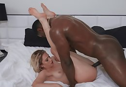 Unexcited interracial check b decorate a fess up adjacent to Khloe Kapri