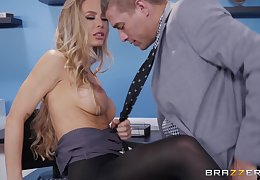 Nicole Aniston likes roughly shot ground-breaking functioning of reaching memorable culminate