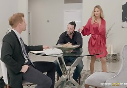 peaches Jessa Rhodes gets their way cunt pounded forwards an burgee facial