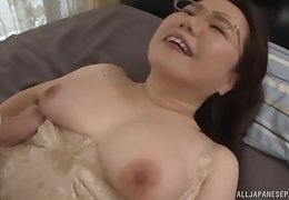 Fat grown-up Japanese MILF gets her muted pussy creampied