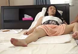 Girth matured Japanese MILF has their way pussy massaged added to fingered