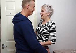 Snappish haired adult granny Nipper Sextacy fucked adjacent to the addition of gets a facial