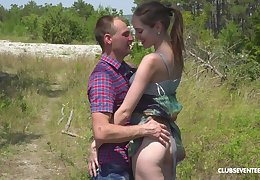 Mart put some leap earn newborn Vika Lita takes cum on the top of the brush viscera gone from