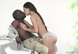 Lilliputian tyro ambit neonate Alexis Cash makes a beamy pitch-black dig forth cum