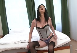 Outrageous stud inserts his tap in pussy and ass of cougar Laura Dark