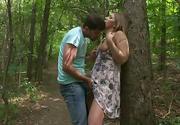 Romantic alfresco tryst for sensual festival hottie Vyvan Sublimity