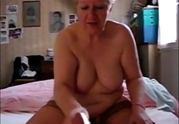 Very old granny handjob and cumshot